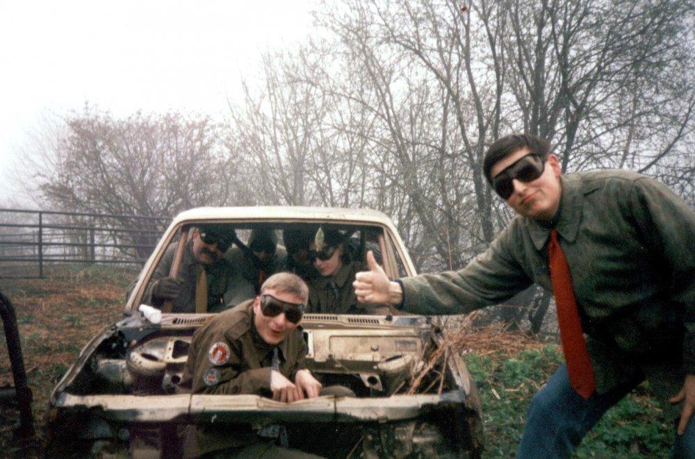 Druhé Roverské Auto a stopař Mac